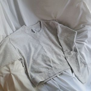H&M Light Grey Crop